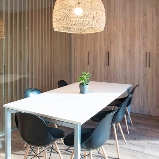 OFICINA CORA, Jose Bergamin, Madrid. Reforma Cora Arquitectura Interior-Sala de reuniones