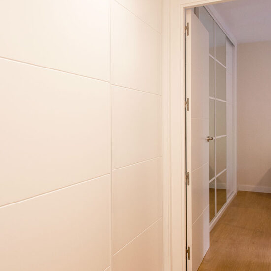 PASILLO Luis de Hoyos Sainz - Madrid - Reforma Cora Arquitectura Interior